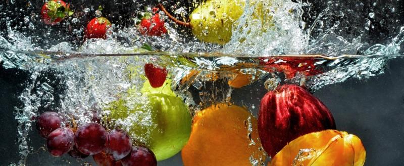 Obst im Wasser